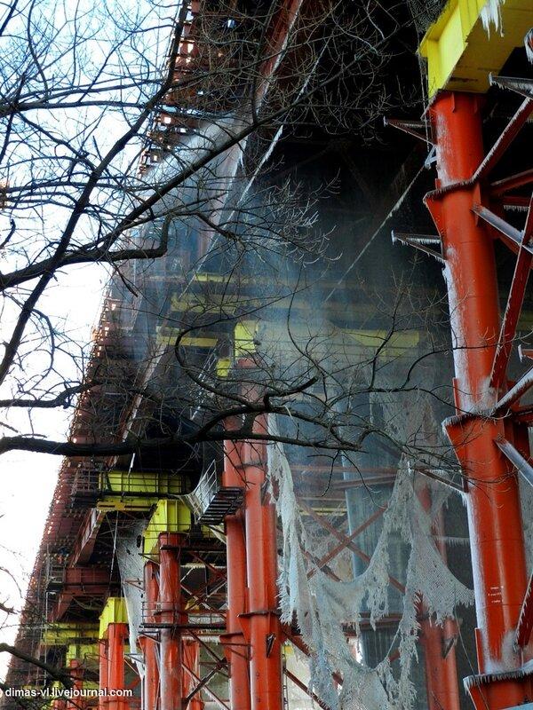 Мост через б.Золотой Рог после ночного пожара. Фото от 13-декабря-2011г