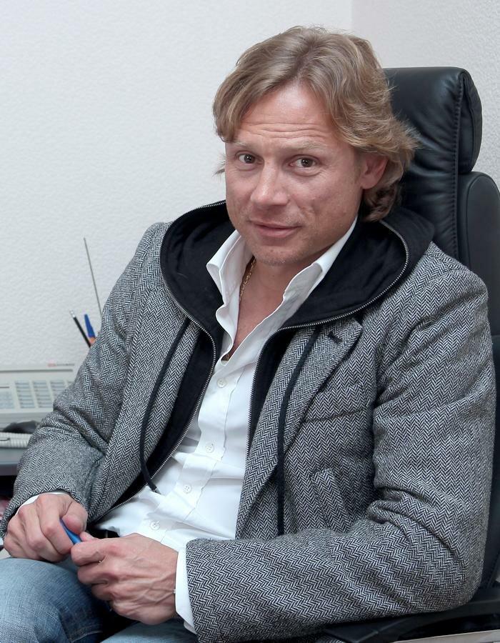 Валерий Карпин общается с болельщиками «Спартака» (Фото)