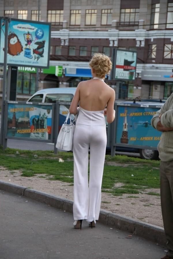 Фото в прозрачной одежде на улицах интересно