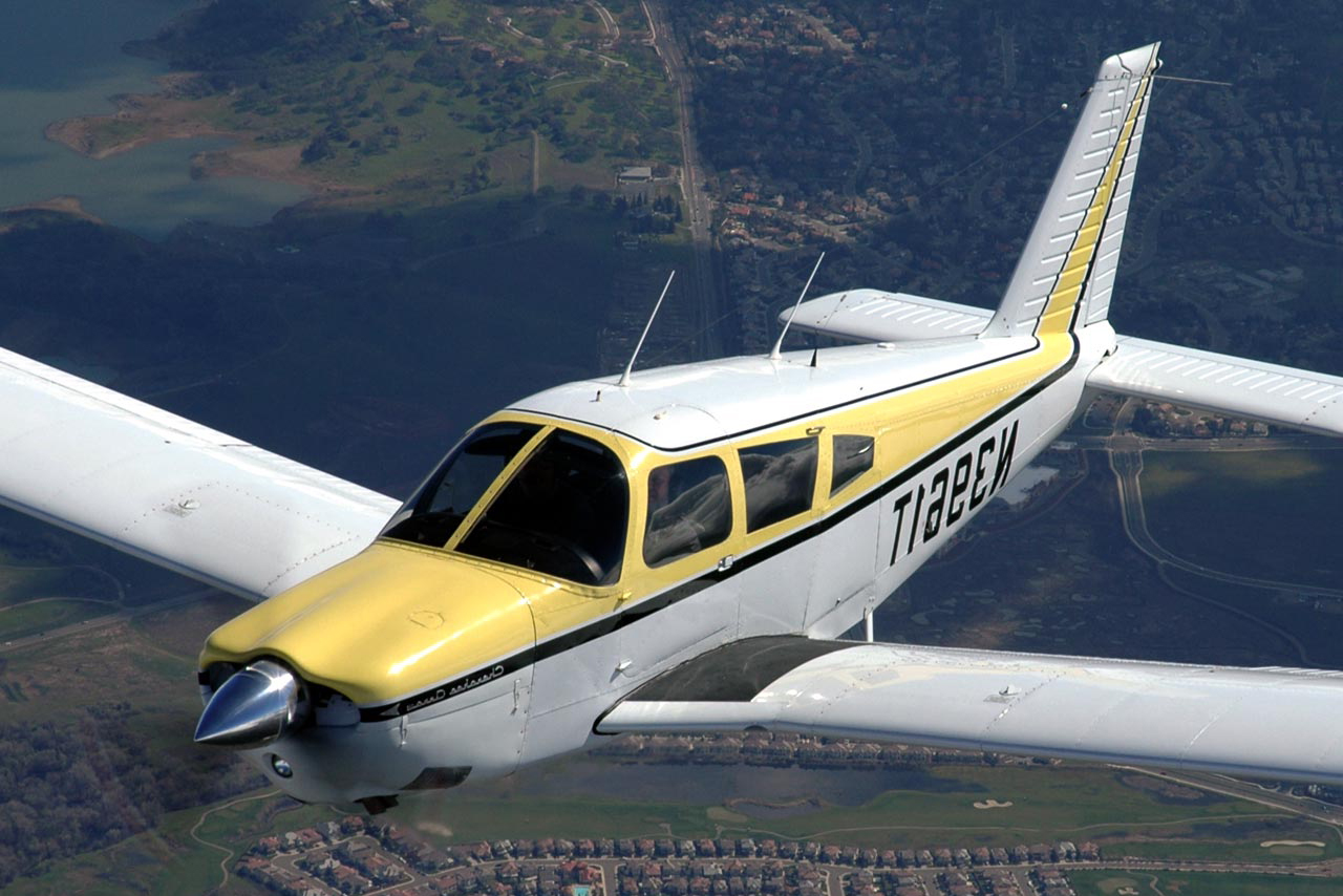 малая авиация самолет летит