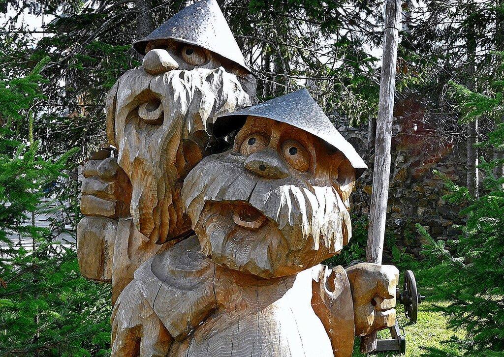 Деревянная скульптура Зюраткуля.