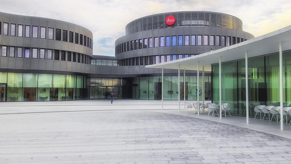 1. Музей техники Leica в городе Wetzlar. В этом же здании находится магазин и производственные помещения.