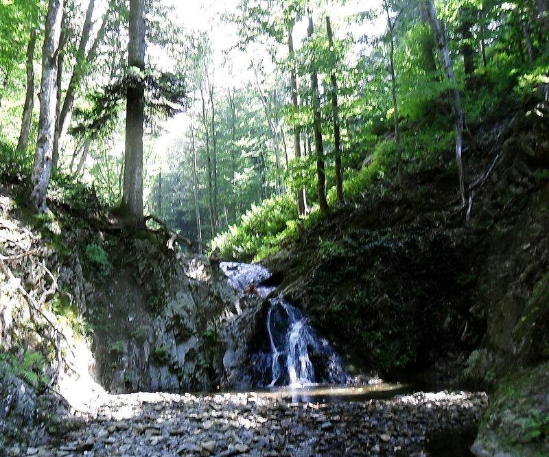 На речке горной, у водопада ... SAM_2613.jpg