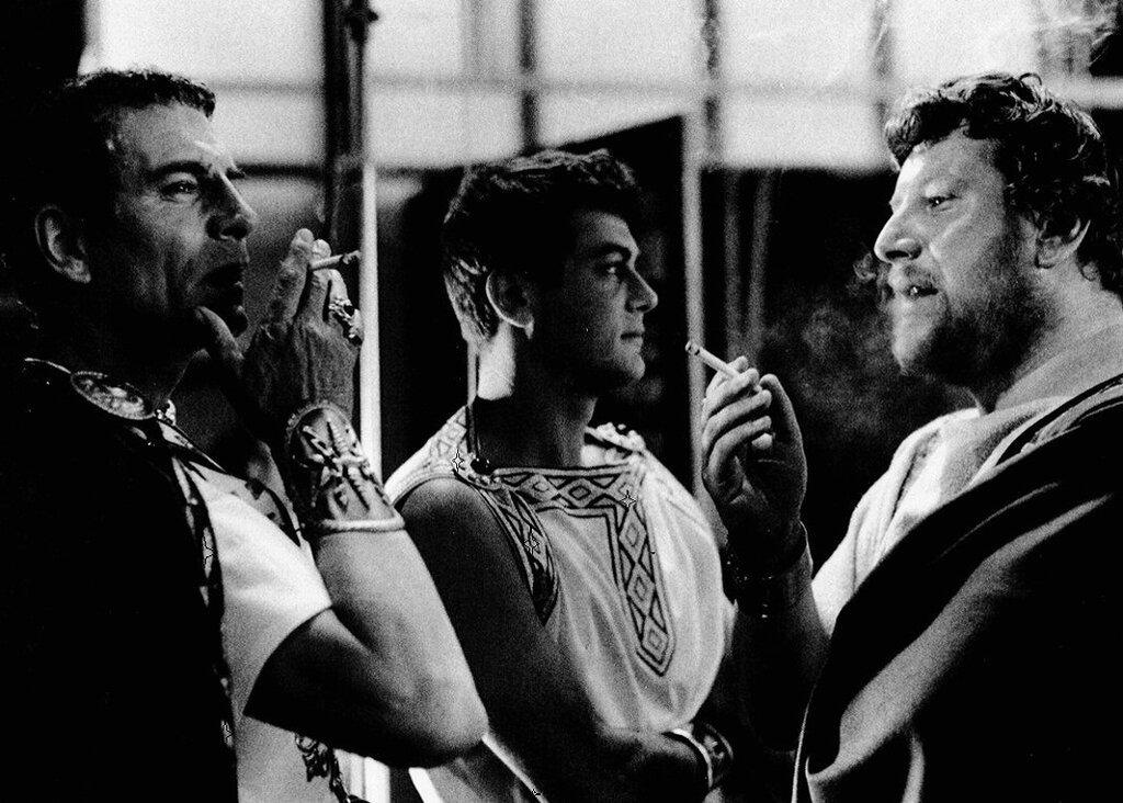 Laurence Olivier, Tony Curtis, & Peter Ustinov on the set of Spartacus 1960, Stanley Kubrick