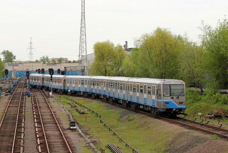 Метропоезд 81-760 в депо Владыкино