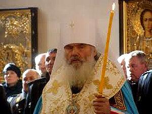 Войсковое знамя, врученное атаману Уссурийского казачьего войска,  освящено в Покровском кафедральном соборе