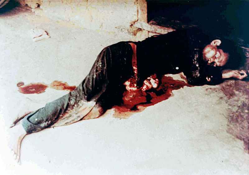Dead_man_from_the_My_Lai_massacre.jpg