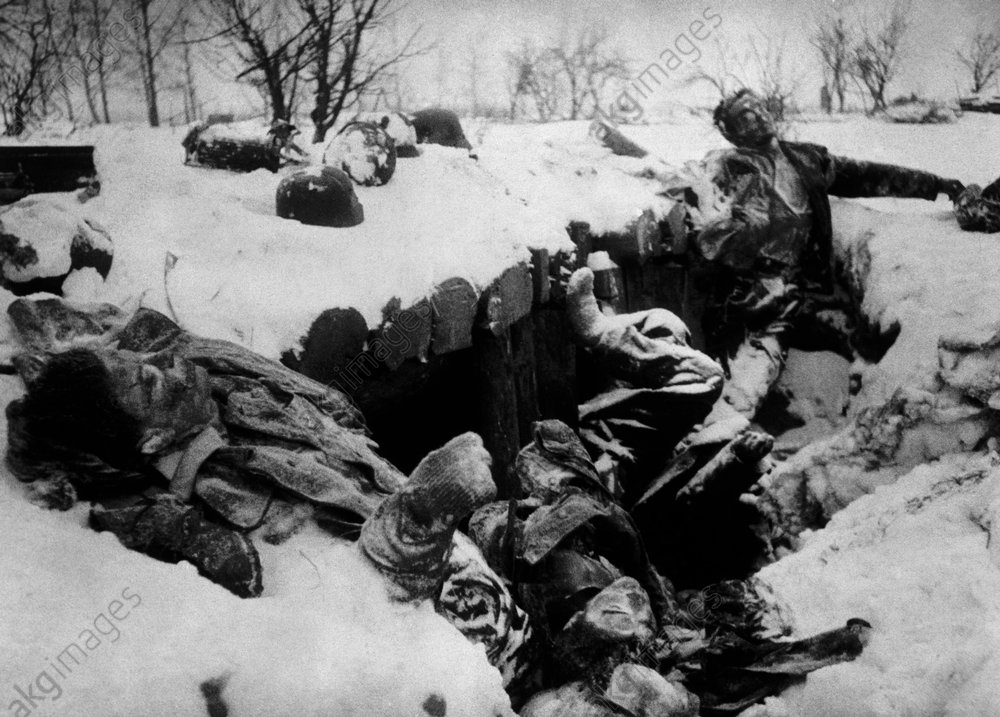 Ostfront /Gefallene Wehrmachtssoldaten - Bodies of German soldiers / E.Front/ '42 -