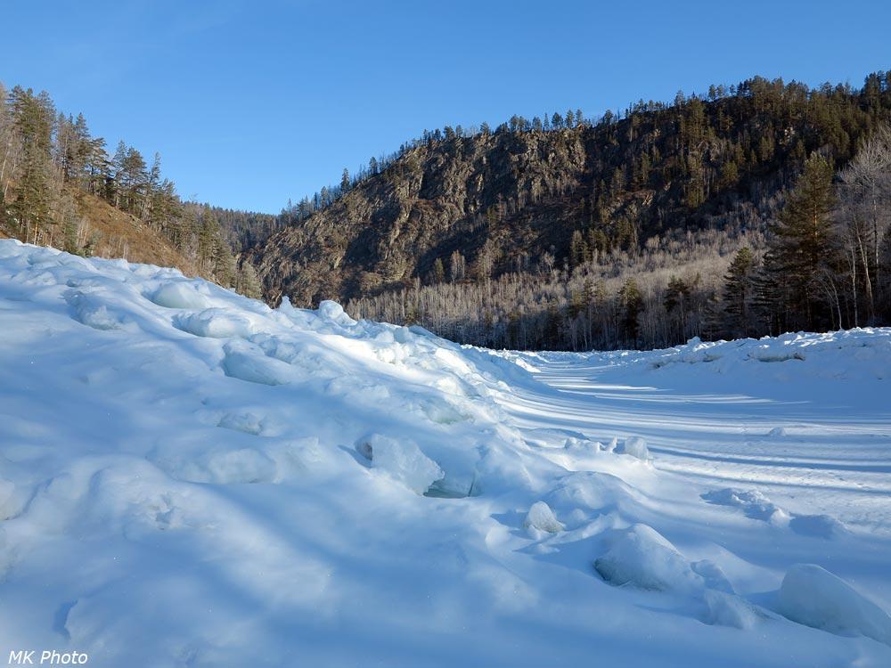 Путь в ледовой траншее