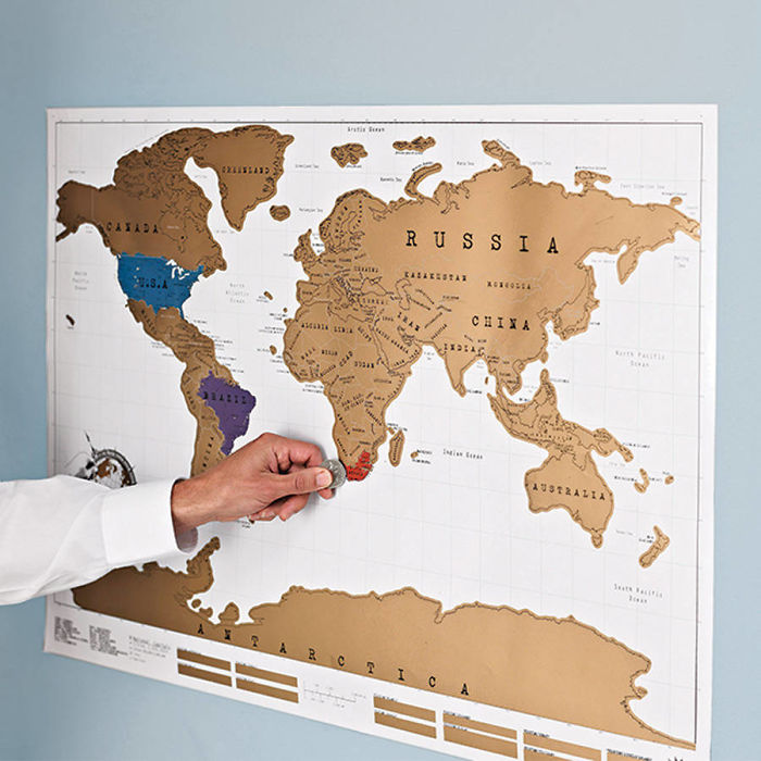 Карта путешественника: со стран, в которых вы уже побывали, нужно монеткой удалить защитный слой.