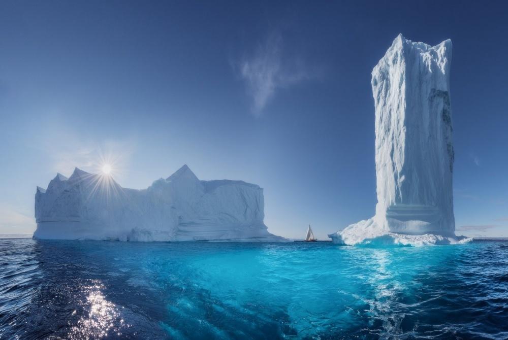 © Daniil Korzhonov  Небоскребы Гренландии.