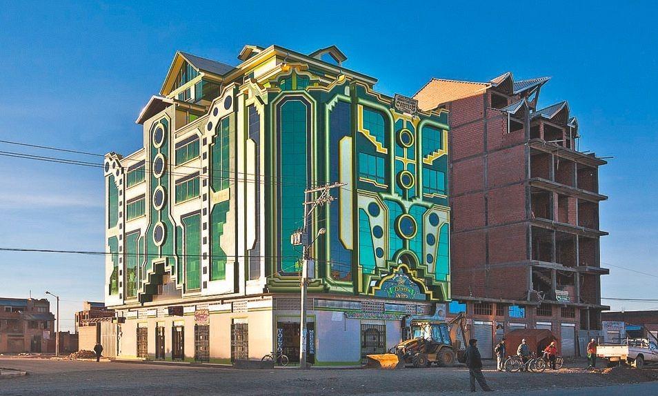 Изменения начались в 2005 году с приходом к власти нынешнего президента Боливии Эво Моралеса. Презид