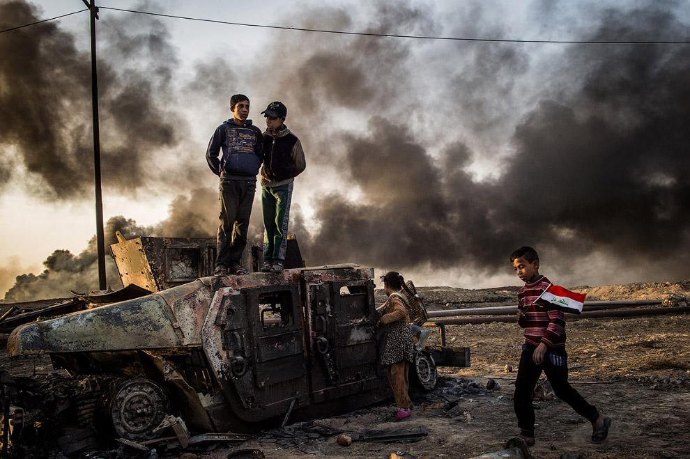 12. Очередной военный день в Ливии. (Фото Alessio Romenzi   2017 Sony World Photography Awards)