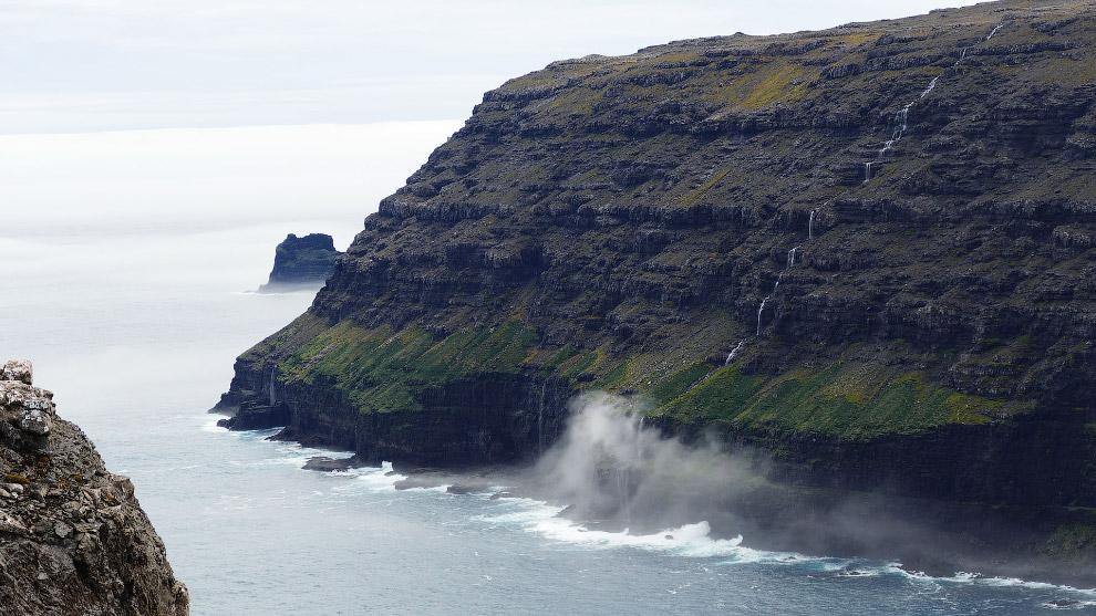 21. Архипелаг был открыт французской экспедицией в 1772 году. Назвали группу островов в честь р