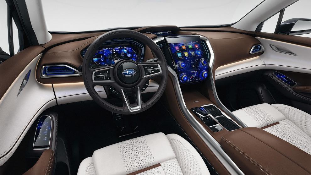 17. Новый Lexus IS 350 в необычном обличие. (Фото Timothy A. Clary):