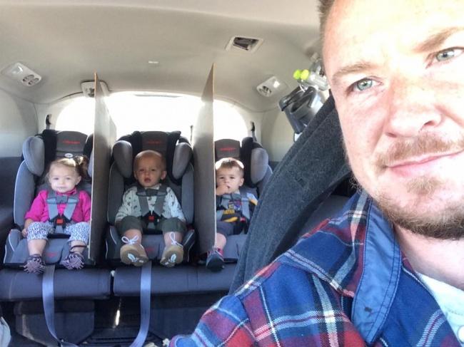 © Jack White/facebook.com  Трое малышей— это нетолько большое счастье, ноимного хлопот, ос