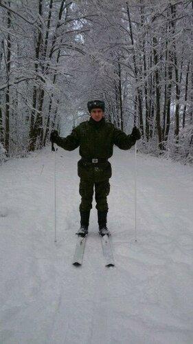 Стас на лыжах.jpg