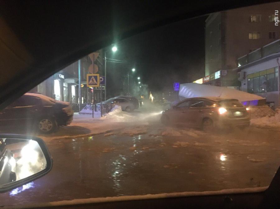 ВОмске затопило проспект Маркса