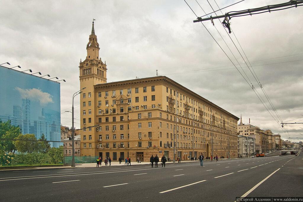 Дом Жолтовского на Смоленской площади