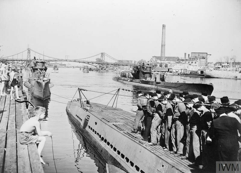 U-BOATS SURRENDER AT WILHELMSHAVEN. 13 MAY 1945, WILHELMSHAVEN, FORMAL SURRENDER OF U-BOATS AT THE FAMOUS GERMAN NAVAL BASE.