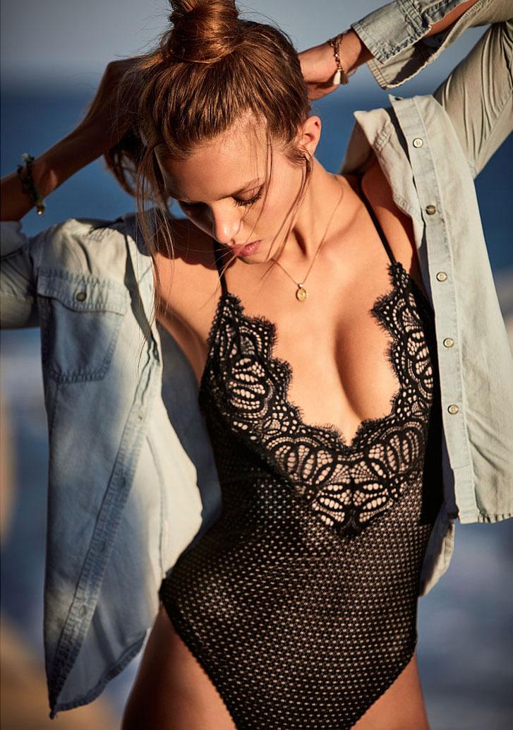 Josephine Skriver / Жозефин Скривер в нижнем белье Victoria's Secret, февраль 2017