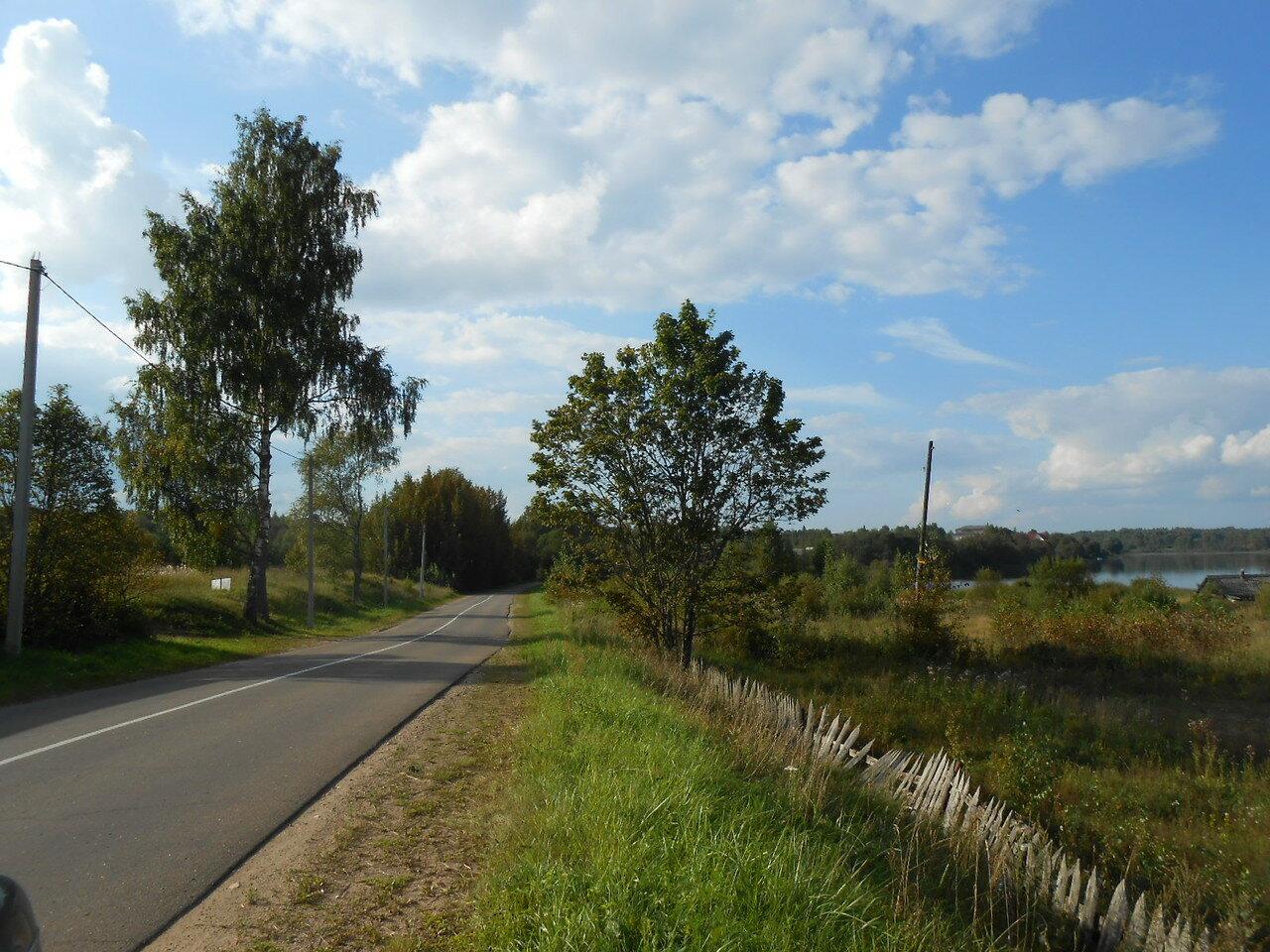 Короцкое озеро и посёлок Короцко