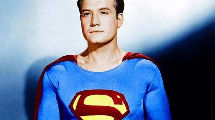 На аукционе в США продали космический корабль из «Звездных войн» и старый костюм Супермена