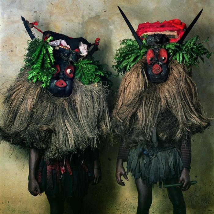 Жутковато-странная мода по-африкански… Магические фотографии Филлис Галембо (Phyllis Galembo).
