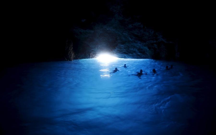 9. Голубая пещера на греческом острове Мейисти, 30 июля 2015 года.