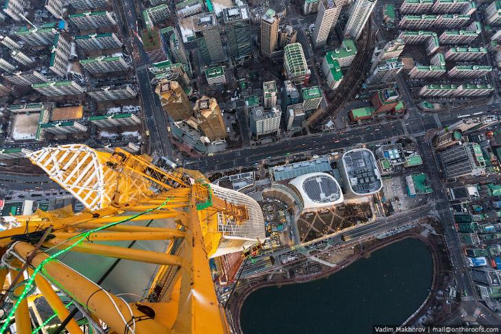 2. Верхушка небоскрёба. 123 этажа.