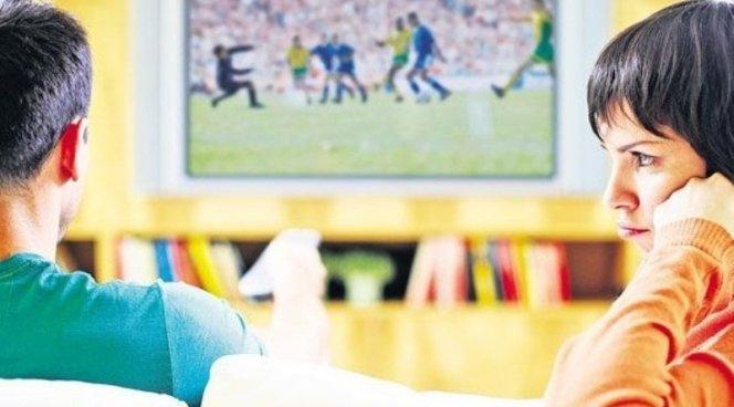 Ученые: Просмотр телевизора рискован для здоровья мужчин