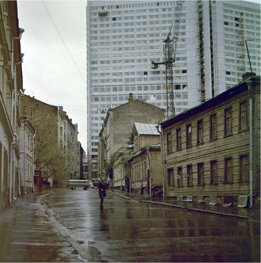 454133 М. Николопесковский  пер. Виталий Гуменюк 1968.jpg
