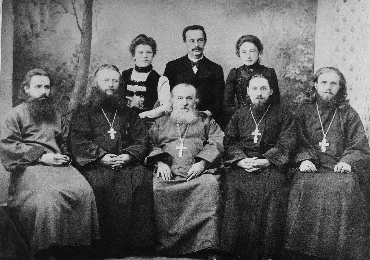 Учителя Скопинской ЦПШ и члены училищн. совета. 1901