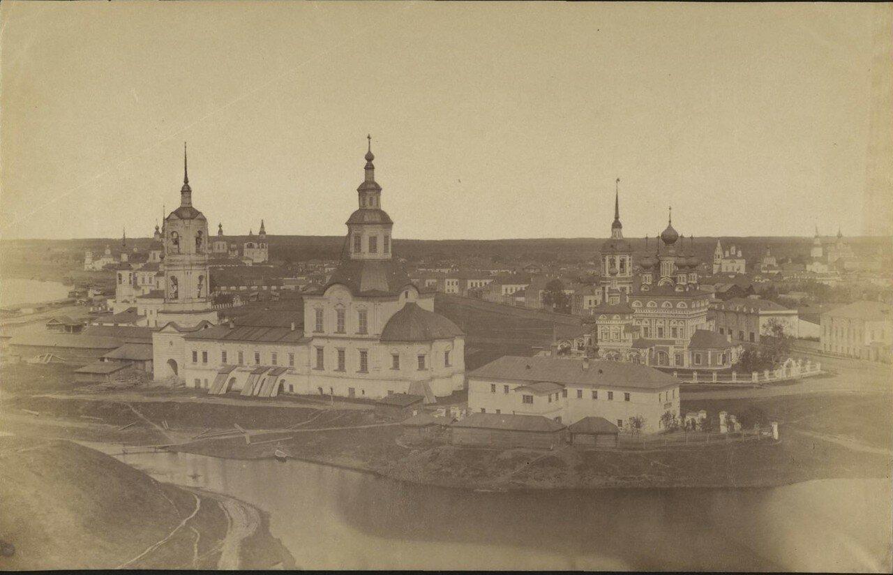Великий Устюг. Вид со Сретенско-Владимирской церкви