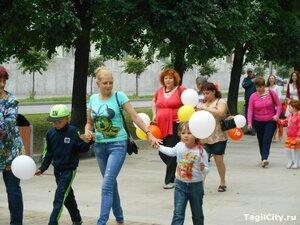 город,Нижний Тагил,отдых,праздник,фестиваль,рыжие,набережная,фонтан