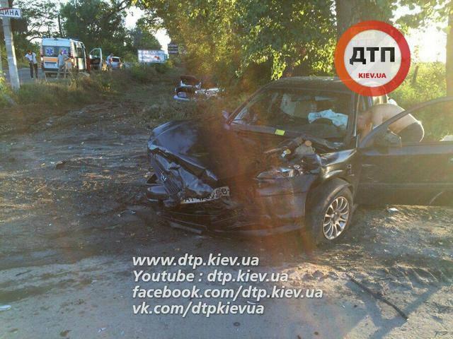 Пьяный водитель спровоцировал ДТП под Киевом и сбежал. ФОТОрепортаж