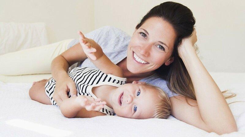 Проблемы со спиной у мамы и младенец: как совместить боль с материнством