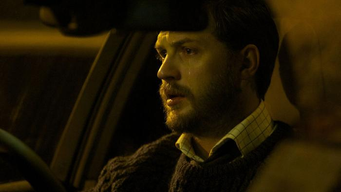 Весь фильм состоит из сцен, снятых в автомобиле главного героя. Получилось завораживающе. Как бу
