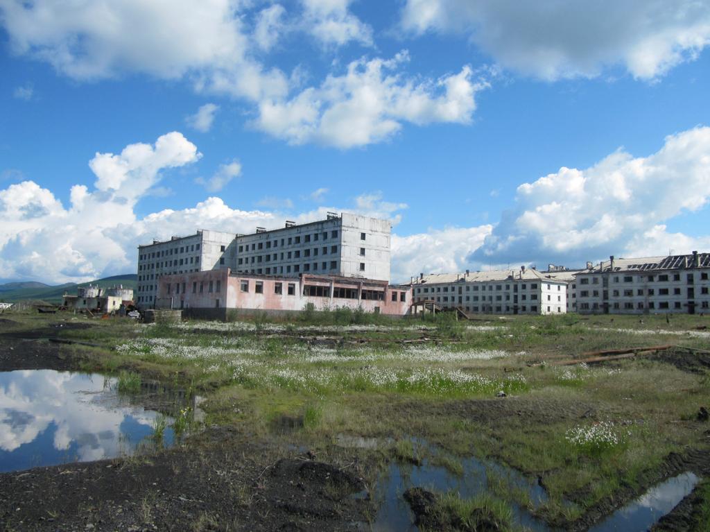 Россия. Кадыкчан — шахтёрский посёлок городского типа с 12-тысячным населением, который на сегод