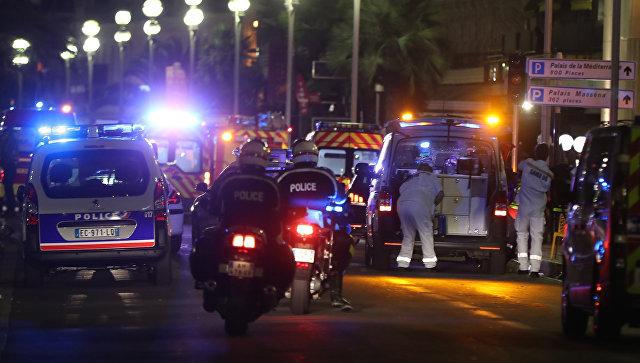 Неменее 80 человек стали жертвами теракта воФранции