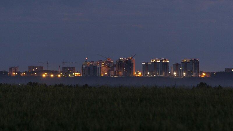 Микрорайон Солнечный берег ночью с противоположного берега реки Вятки с расстояния 8 километров