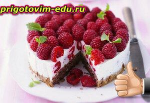 Торт малиново-миндальный