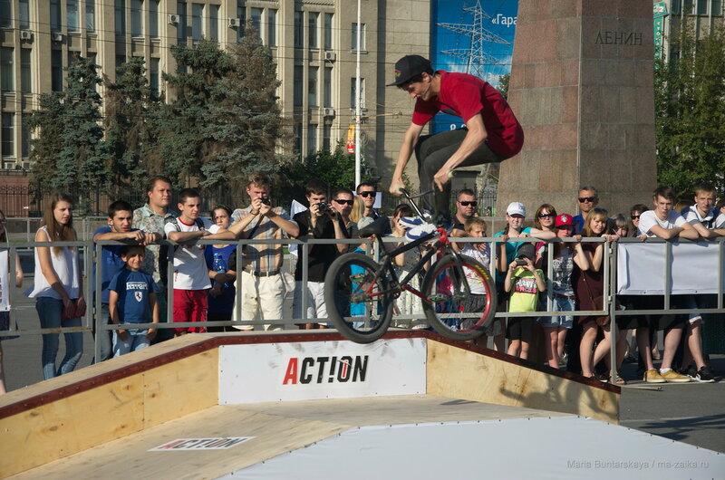 Фестиваль экстремальных видов спорта 'Вызов', Саратов, Театральная площадь, 13 августа 2016 года