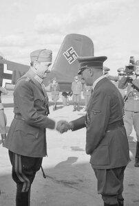 Густав Маннергейм встречает Гитлера