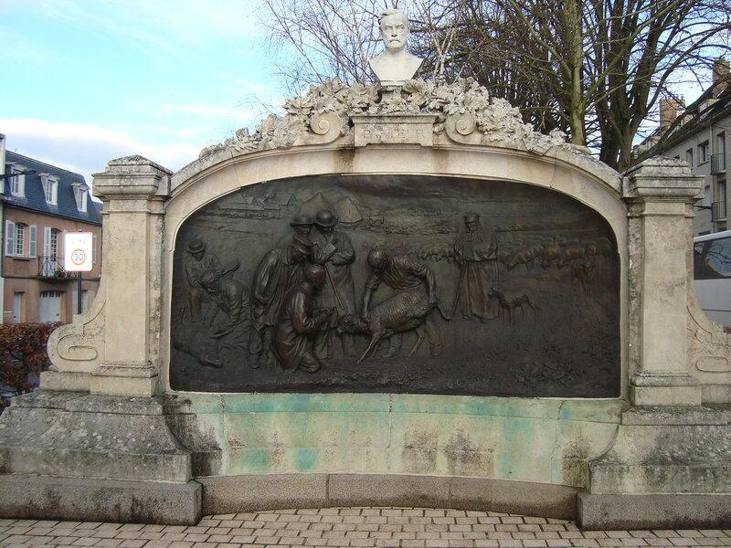 Шартр. Памятник Л.Пастёру