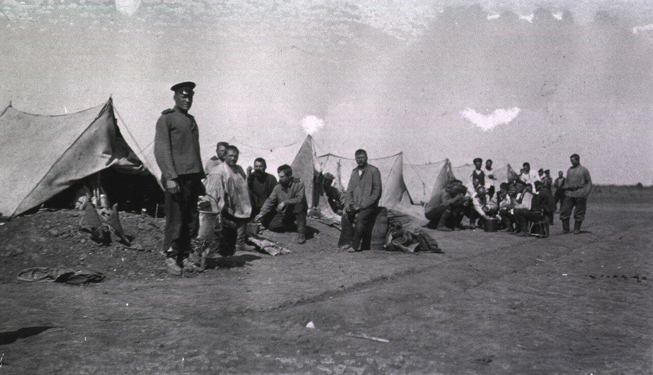 Полевые палатки в дивизионном лазарете в Гангалине