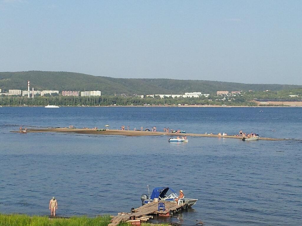 Вид отмели с берега