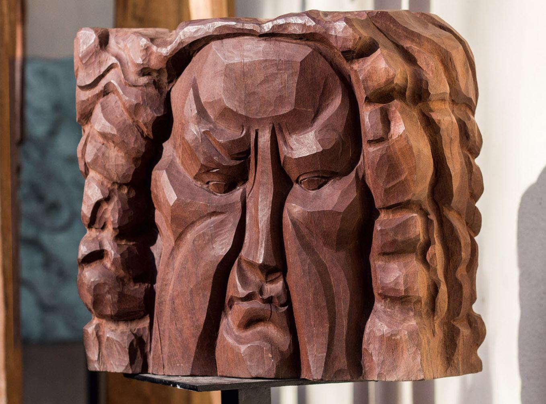 скульптура из дерева лицо человека