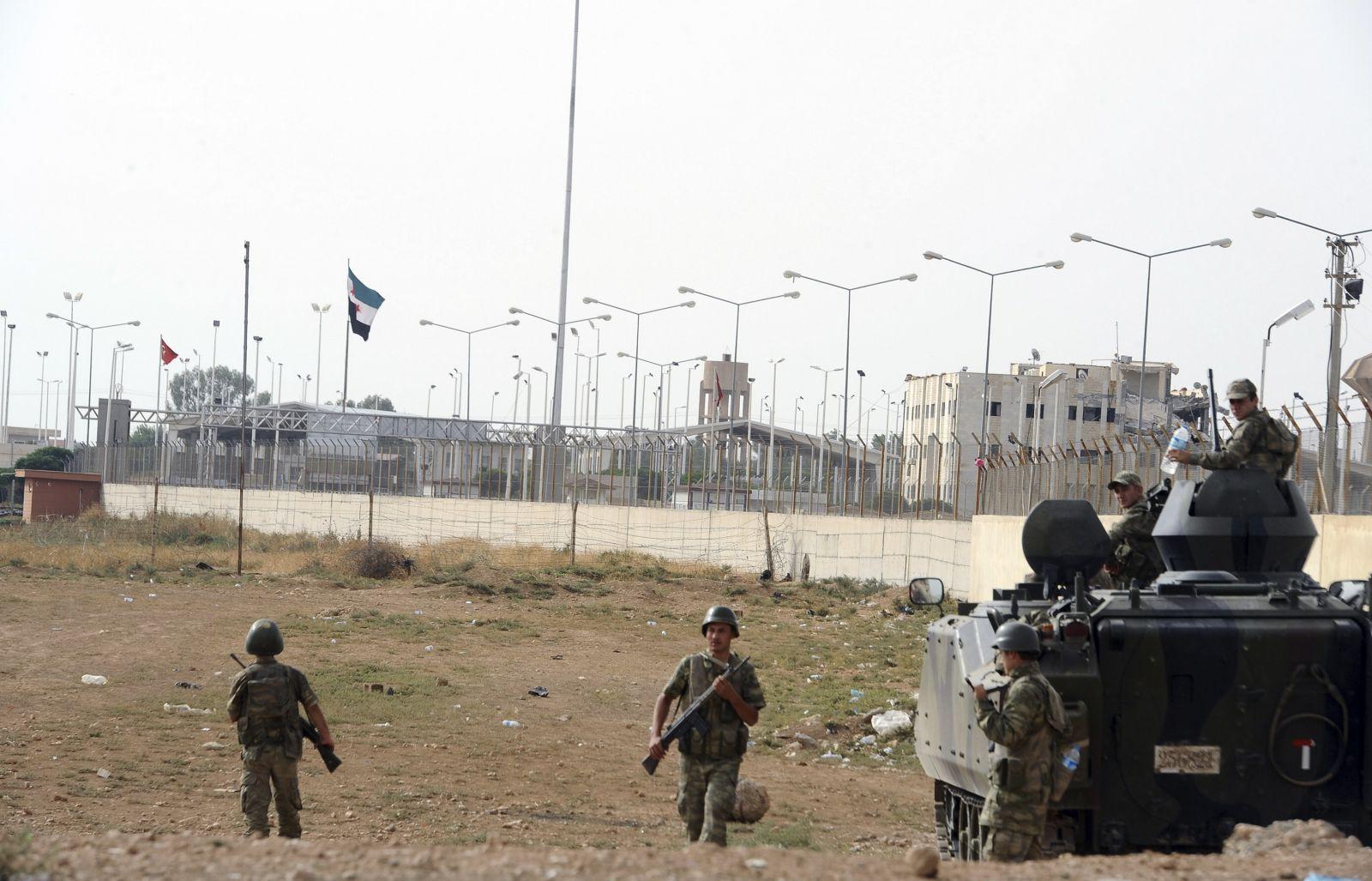 Двое таджиков задержаны в Турции по подозрению в незаконном пересечении границы с Сирией