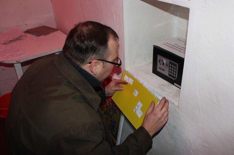 Подобрать код от сейфа - Логово ББ - Побег из комнаты в Кирове